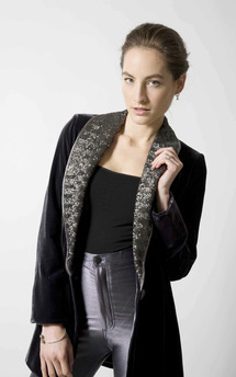 Grey sequin smoking jacket by Lilah Product photo