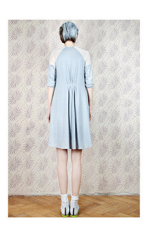 Grey pocket dress by Est By Es. Product photo
