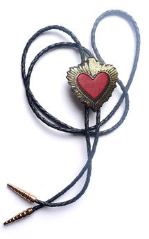 Heart bolo, blood red by Rosita Bonita Product photo