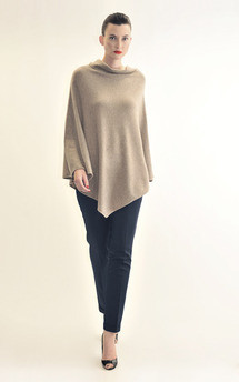 Sleeveless poncho-biscuit by Semon Cashmere Product photo