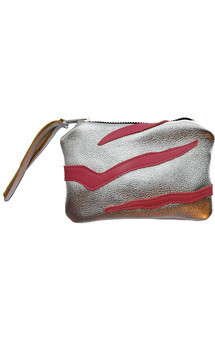 Roya purse in silver & pink leather by Carmen Woods Product photo