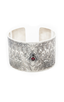 Continuation cuff by Becky Dockree Jewellery Product photo