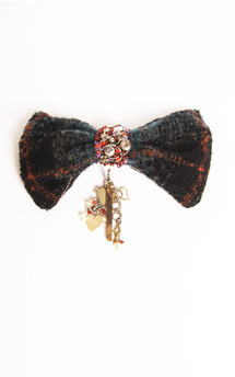 Tom bow tie brooch by Anna Kompaniets Product photo