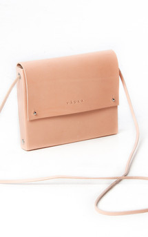 Helmi - leather shoulder handbag by Väska Product photo