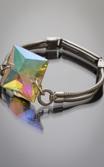Kaleidoscope bracelet by Urraca Vintage Product photo