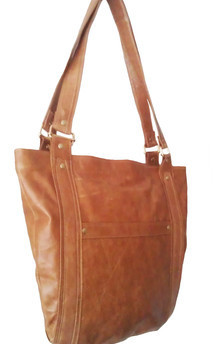 Buu leather shoulder bag by Amy George Product photo